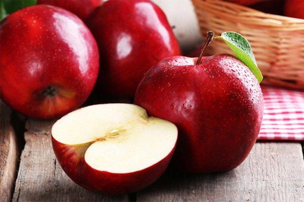 táo giúp bạn cải thiện đau dạ dày